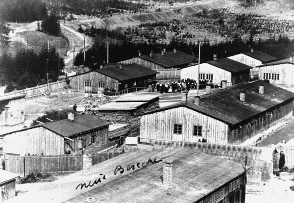 buildings-and-chimneys-at-auschwitz-birkenau-2 - Holocaust ... |Concentration Camps Buildings